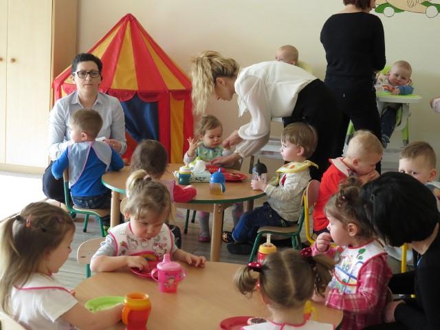 Klub Malucha, to miejsce w którym rodzice znajdą opiekę dla dzieci w wieku od 1 roku do 3 lat