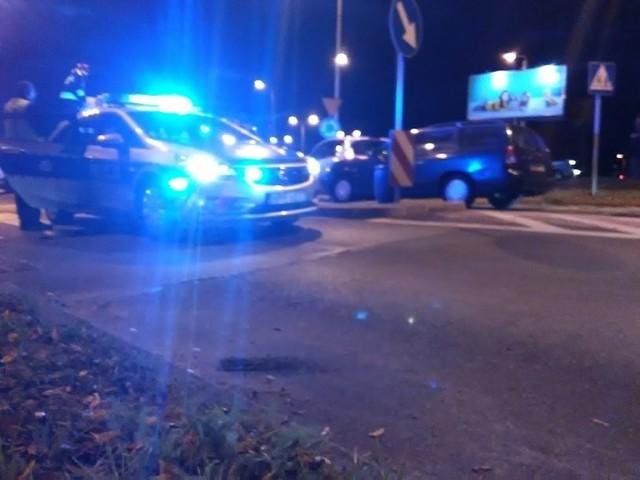 Wypadek w Zduńskiej Woli w pobliżu ronda Solidarności.