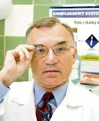 Dr n. med. Marek Brzewski, specjalista dermatolog, wykładowca na Wydziale Kosmetologii Małopolskiej Wyższej Szkoły w Krakowie