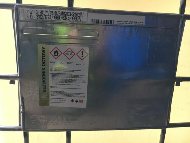 W powiecie zgierskim zatrzymano 4 tys. litrów substancji do produkcji heroiny
