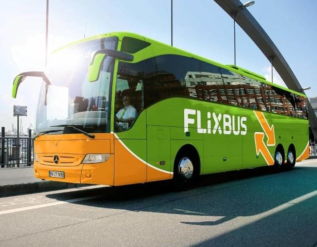 Osoby podróżujące autokarem firmy Flixbus na trasie Warszawa - Zakopane (przez Radom, Kielce, Kraków) w dniu 19 marca 2020 roku powinny zgłosić się do lokalnej stacji sanepidu.