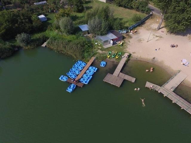 Sezon wakacyjny coraz bliżej, a na wielu kąpieliskach brakuje ratowników.