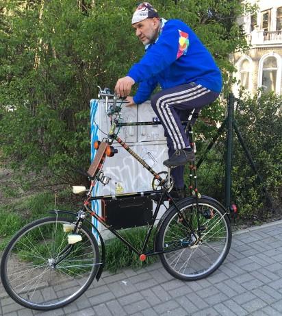 Inne rodzaje Niesamowity rower na zielonogórskich ulicach. Takiej maszyny UO48