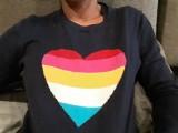 Ochroniarz Klubu Rura w Częstochowie pobił kobietę z powodu tęczowego serca na swetrze? Klub przeprasza