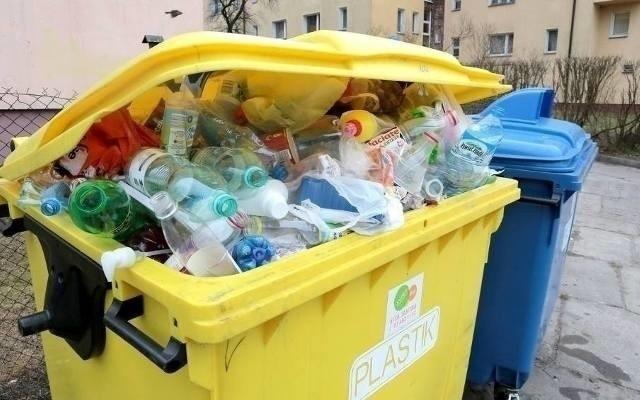 Szczecin. Przed radnymi decyzja o zmianach w segregacji odpadów. Z plastikiem ma być prościej. Jak w Szczecinie będziemy segregować śmieci?