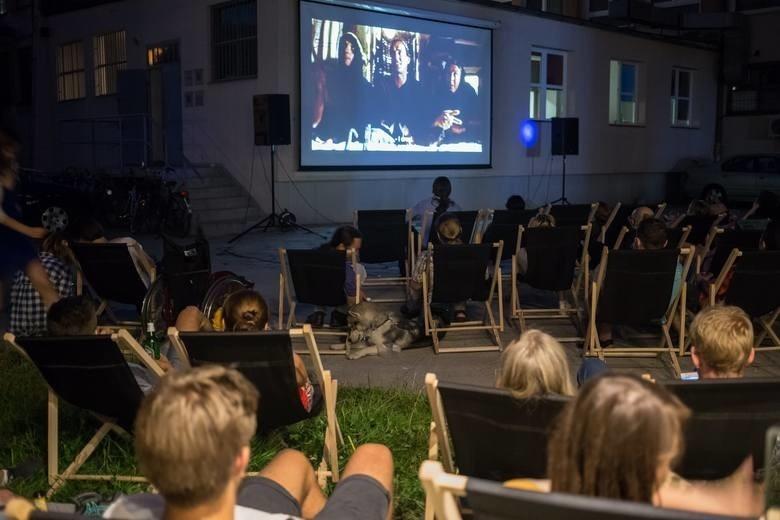 Darmowe kino letnie w Toruniu już w sobotę! Maseczka musi być