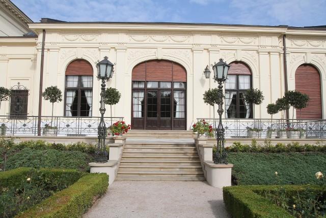 Trwa spór o piękną, neorenesansową rezydencję wybudowaną w latach 70. XIX wieku przez Edwarda i Matyldę Herbstów przy ul. Przędzalnianej 72, w której dzisiaj mieści się filia Muzeum Sztuki w Łodzi.