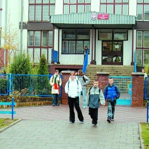 W szkołach ma być bezpieczniej. Kuratorium zapowiada m.in., że znajdą się pieniądze na rozbudowę monitoringu.