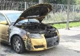 Podpalacze samochodów policjantów są bezkarni. Dochodzenie umorzone