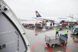Przybywa pasażerów na łódzkim lotnisku [zdjęcia]