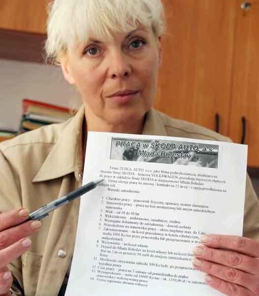 Lidia Czarnek z Wojewódzkiego Urzędu Pracy: - Otrzymujemy poro ofert z Czech i Słowacji.