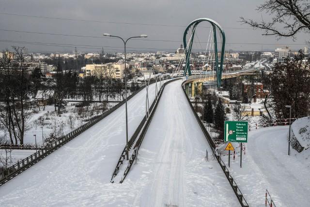 Autobus nie jeździ już przez most Uniwersytecki, więc nie ma powodów, by był darmowy.