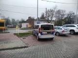 """Mistrzowie parkowania w Łodzi. Zobacz wyczyny """"najzdolniejszych"""" kierowców w Łodzi [ZDJĘCIA]"""