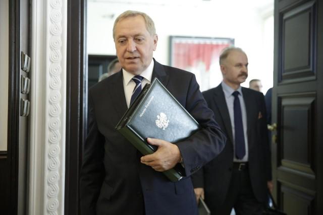 Istnieje prawdopodobieństwo, że minister środowiska Henryk Kowalczyk pożegna się z rządem.
