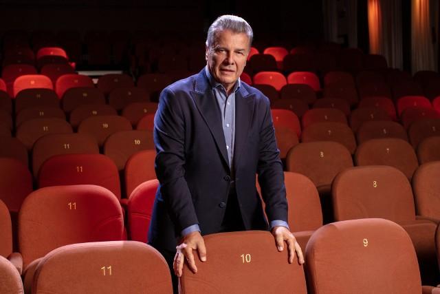 Emilian Kamiński: Prowadzę teatr, który nie odbiera ludziom chęci do życia.