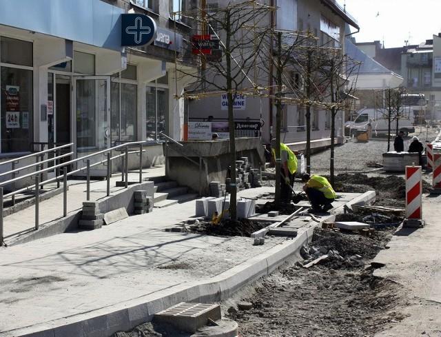 Rewitalizacja placu św. Michała i przyległych ulic to jedna z dwóch największych inwestycji, prowadzonych aktualnie w Sanoku.