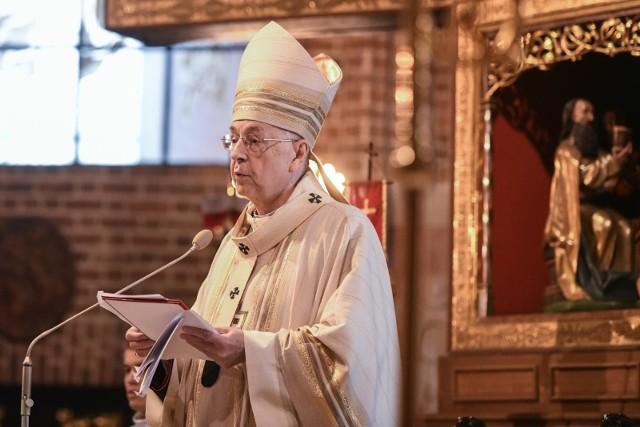 """Abp Gądecki wydał oświadczenie w sprawie filmu """"Don Stanislao. Druga twarz kardynała Dziwisza""""."""