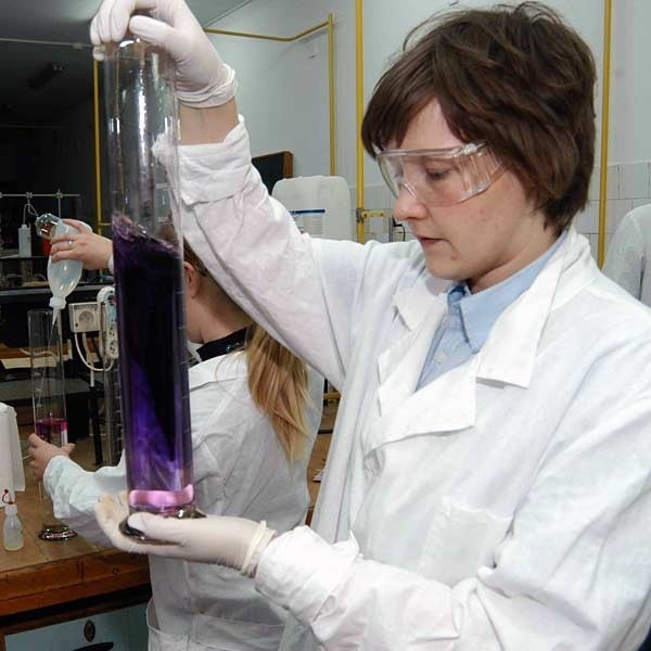 Zajęcia na chemii w Politechnice Rzeszowskiej.