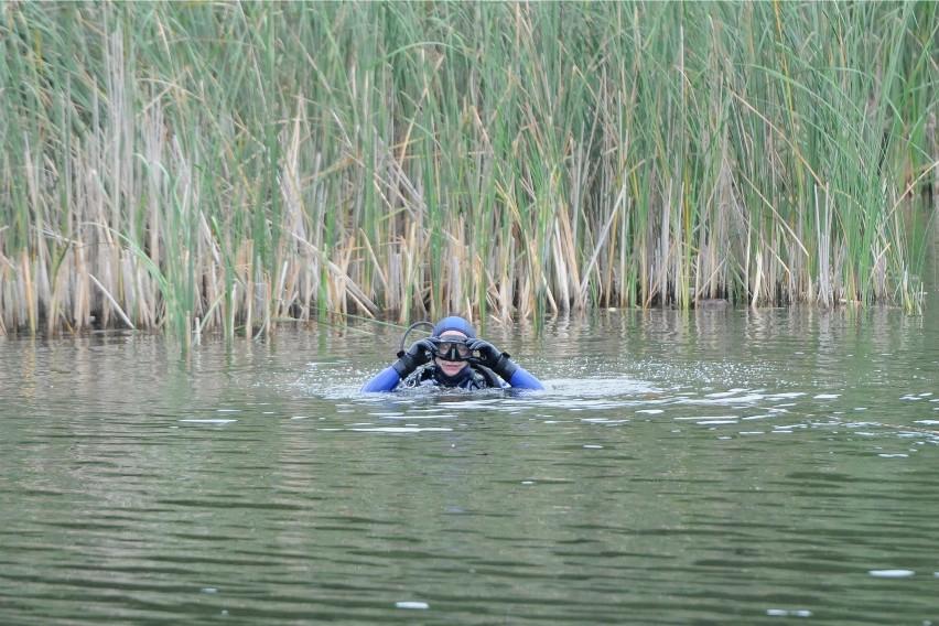 Nad jeziorem Chomiąskim strażacy poszukiwali dwóch osób