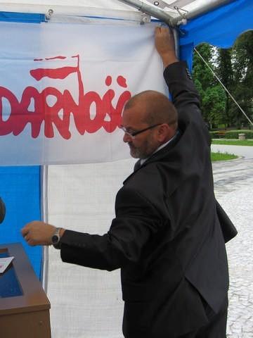 Tadeusz Dachowski mówi, że związki zawodowe to dobrowolne zrzeszenie pracowników. Może do niego wstąpić każdy, czy jest pracownikiem czy prezesem.