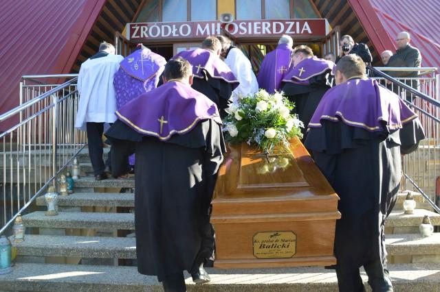 Modlitewne Czuwanie Przy Trumnie Zmarłego Tragicznie Księdza