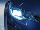 Oświetlenie samochodu. Jak o nie zadbać jesienią? Zapasowe żarówki to za mało