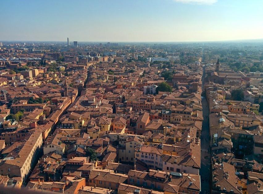 9. Bolonia, Włochy – 39 proc. oszczędności w stosunku do...