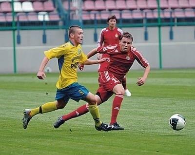 Maksymilian Michalski (z prawej) był najlepszym graczem wczorajszego meczu Fot Michał Klag