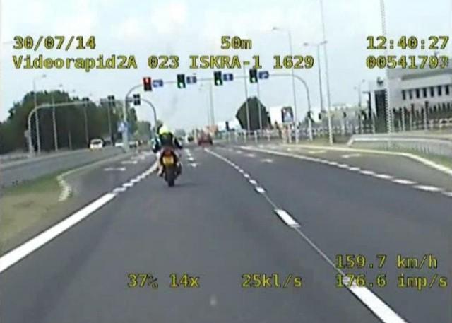 Pędził 170 km/h motocyklem. Nie miał prawa jazdy na motor