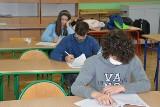 Stalowa Wola. Ósmoklasiści ze Szkoły Podstawowej numer 3 zmierzyli się z językiem angielskim [ZDJĘCIA]