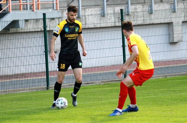 Trzech kolejnych zawodników opuściło występujących w rozgrywkach grupy czwartej piłkarskiej trzeciej ligi Siarkę Tarnobrzeg.