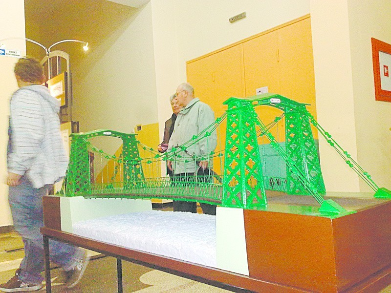 Przed rokiem Stowarzyszenie Dolina Małwej Panwi zorganizowało wystawę  nt. huty w Ozimku. Teraz zaprasza na wykłady.