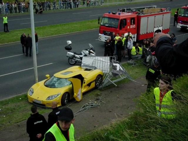 Wypadek na Gran Turismo w Poznaniu
