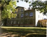 Dawna szkoła żydowska czy strażacka wieża obserwacyjna. Poznaj obiekty użyteczności publicznej z początku XX wieku