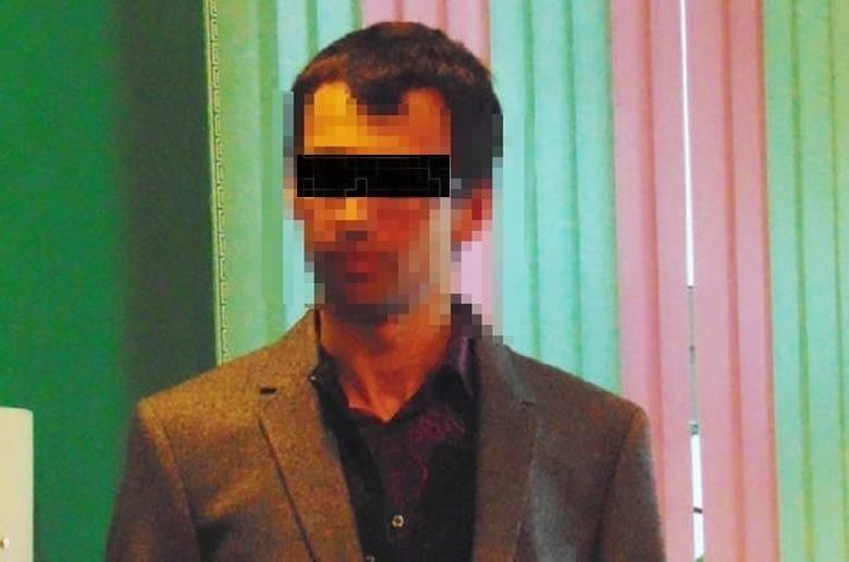 Jeden z najgroźniejszych przestępców ostatnich lat, Kajetan P., od miesięcy przebywa w łódzkim areszcie. Nazywany - z uwagi na fascynację kanibalizmem - polskim Hannibalem 31-latek przebywa w zakładzie karnym nr 2 przy ul. Kraszewskiego  dowiedzieliśmy się nieoficjalnie. Jak się sprawuje znany z wybuchów agresji zbrodniarz? Czytaj więcej na następnej stronie