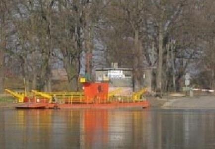W Połęcku, Brodach, Pomorsku i Milsku kierowcy mogą przeprawić się przez Odrę na pokładzie promu.