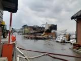 Znamy przyczynę pożaru tartaku w Brzoziu w powiecie brodnickim. Trwa szacowanie strat