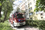 4-letnia dziewczynka wypadła z okna w bloku przy ul. Banacha. Z obrażeniami została odwieziona do szpitala
