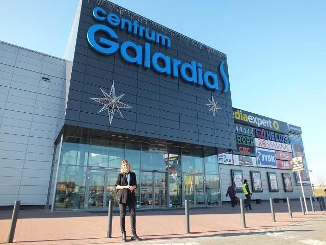 Odwiedzają nas nie tylko mieszkańcy miasta, którzy coraz rzadziej wybierają się na zakupy na przykład do odległych o kilkadziesiąt kilometrów Kielc - mówi Aleksandra Kruk, dyrektor Centrum Galardia.