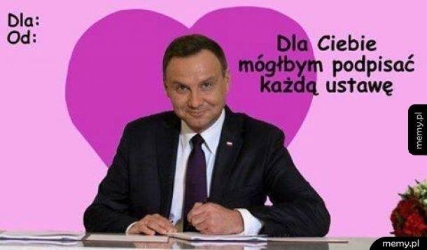Takie memy i kartki walentynkowe chciałby dostać 14 lutego...