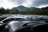 Tłumy w Tatrach. Droga do Morskiego Oka zamknięta [KRÓTKO]