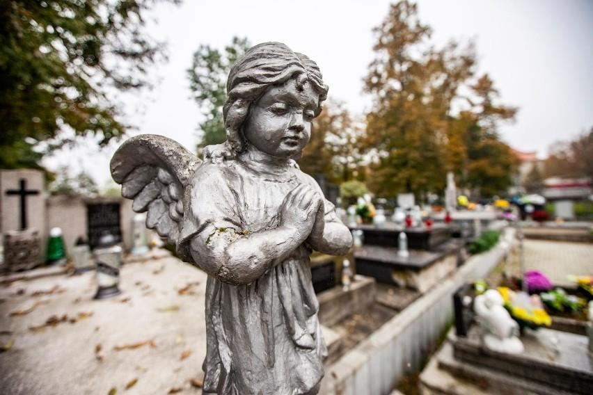 1 listopada: Jak rozmawiać z dzieckiem o śmierci? Nie...