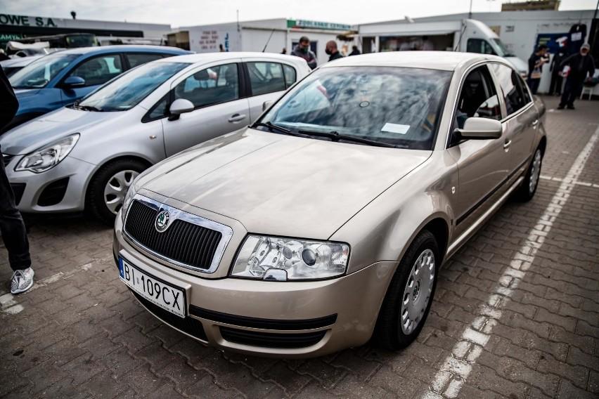 Zebraliśmy oferty licytacji komorniczych samochodów z całego kraju. Zobaczcie, jakie auta można kupić w okazyjnej cenie. Szczegóły na kolejnych zdjęciach >>>>