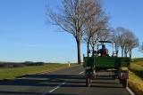 Ciągnik rolniczy na drodze publicznej. O czym zapomina traktorzysta, a czym musi pamiętać?