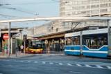 Tramwaje i autobusy wracają na perony 3 i 4 na Rondzie Reagana