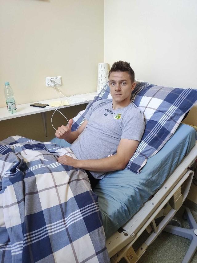 Mikołaj Grzelak po operacji