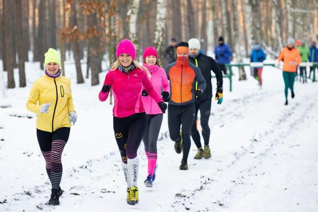 Podczas drugiego treningu charytatywnego dla Łukasza Pękały w niedzielę (17 stycznia 2021 r.) miłośnicy biegania oraz nordic walking z pasją pomagania pokonali 11 km w Puszczy Bydgoskiej. Kolejny trening za tydzień, 24 stycznia. Warto dołączyć!
