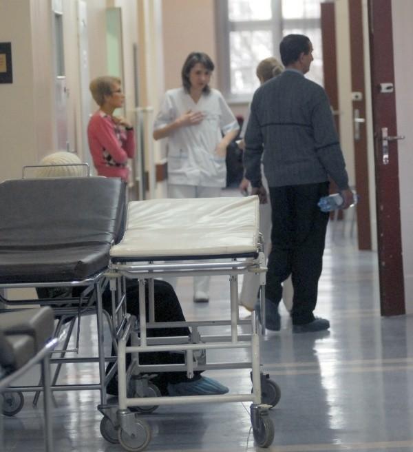 NFZ sprawdzi m.in., w jakich warunkach leczono pacjenta, czy miał wlaściwą opiekę.