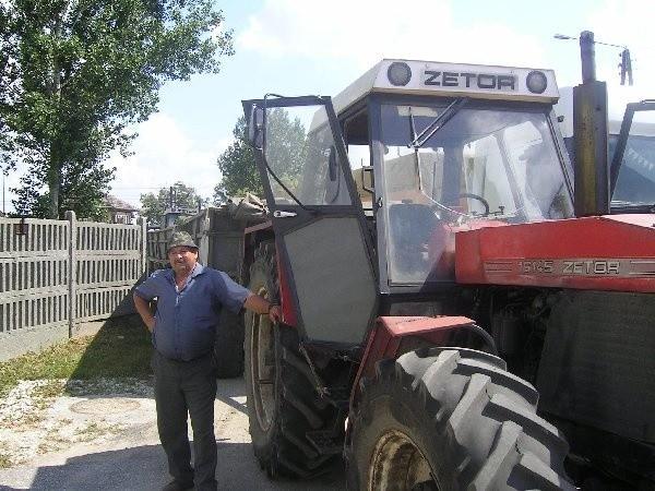 W kolejce na wjazd do elewatora czeka Jan  Markuszewski z Łobdowa.