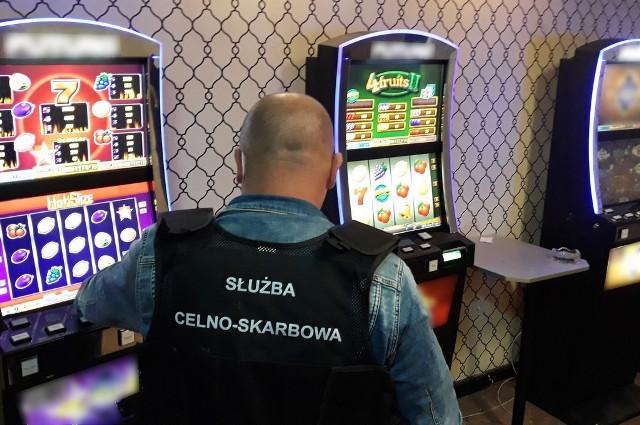 Wysokie Mazowieckie. KAS zlikwidowała nielegalny salon gier hazardowych. Właściciel może zapłacić nawet 600 tys zł